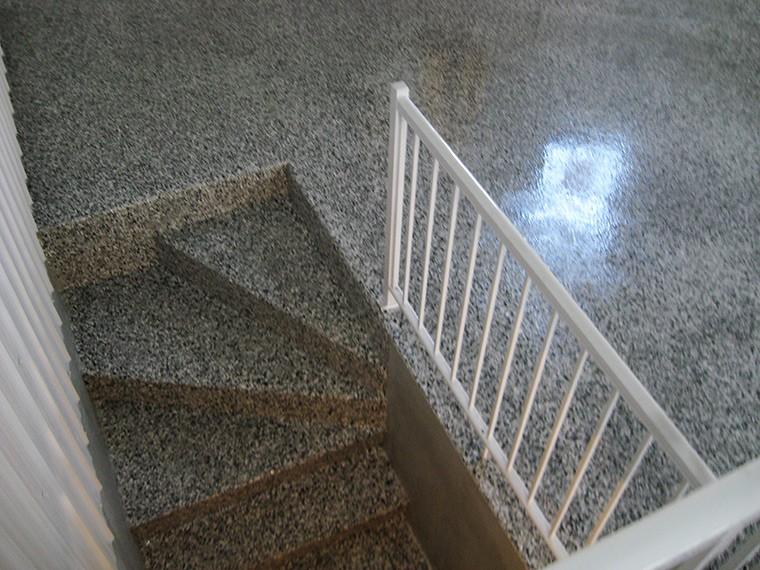 rev tement d 39 poxy pour escalier. Black Bedroom Furniture Sets. Home Design Ideas